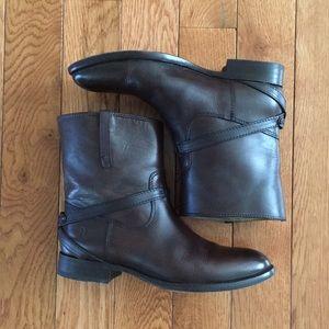 Frye Lindsay Plate short boot, 7. Worn 4 times!